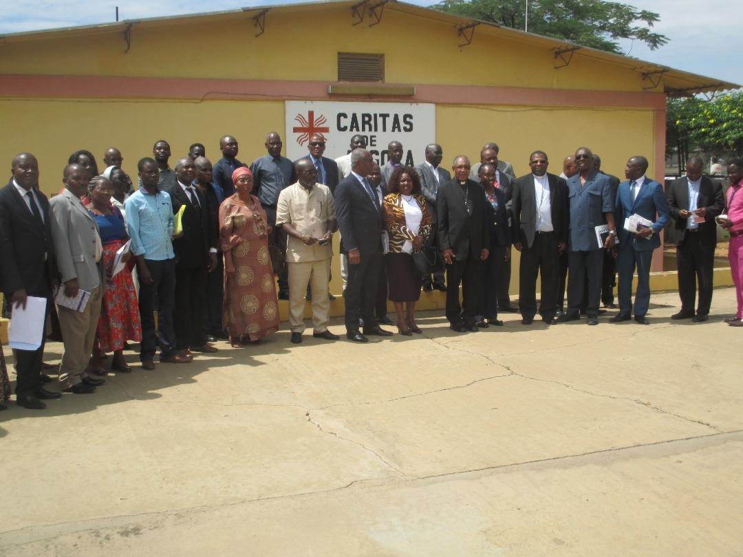 CA_AO_CA Lusófonas_Encontro na DGCA sobre cooperação entre Igrejas Cristãs e MINSA com CEAST e Ministra da Saúde_201804 (50)
