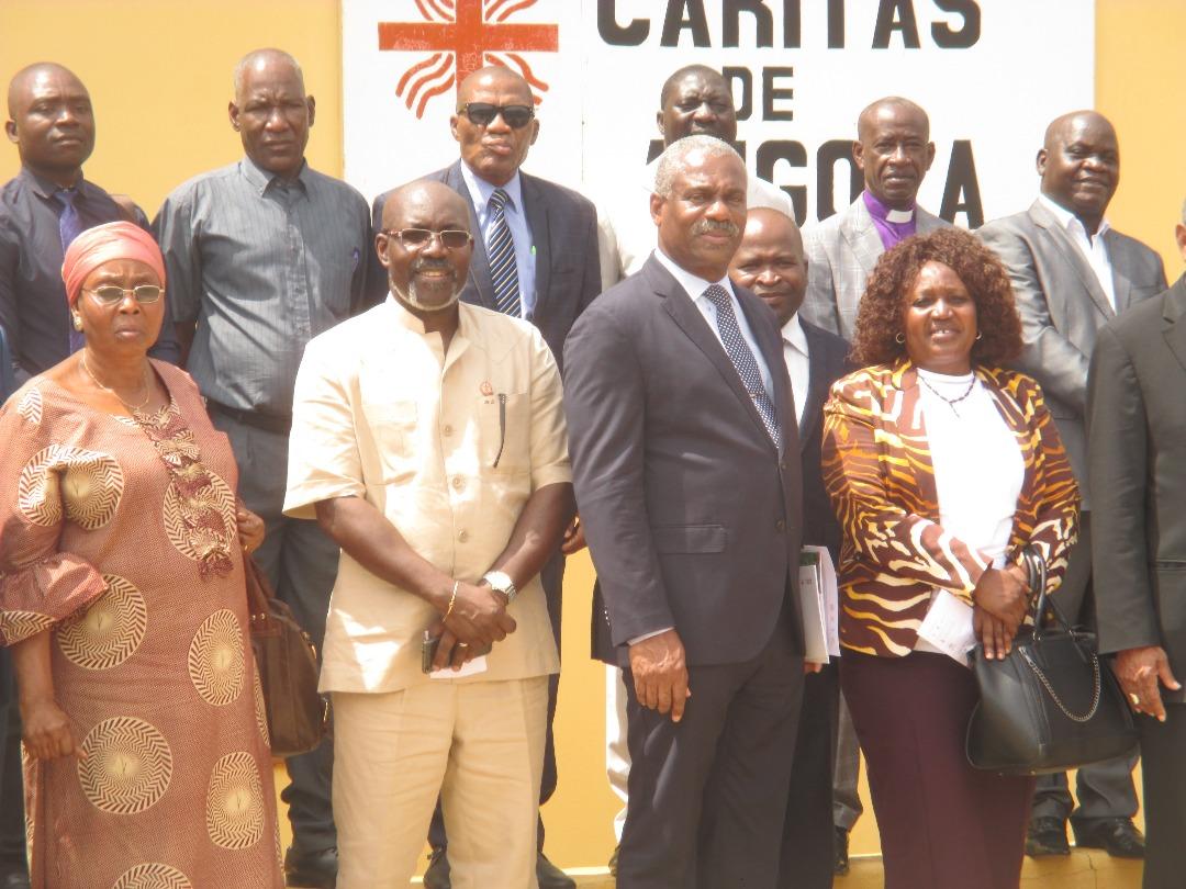 CA_AO_CA Lusófonas_Encontro na DGCA sobre cooperação entre Igrejas Cristãs e MINSA com CEAST e Ministra da Saúde_201804 (52)