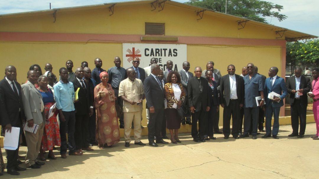 FEC-AO-CA-Lusófonas-Encontro na DGCA sobre cooperação entre Igrejas Cristãs e MINSA com CEAST e Mi