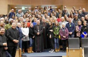 Delegados católicos à COP24 com o Arcebispo de Katowice;© Rosie Heaton
