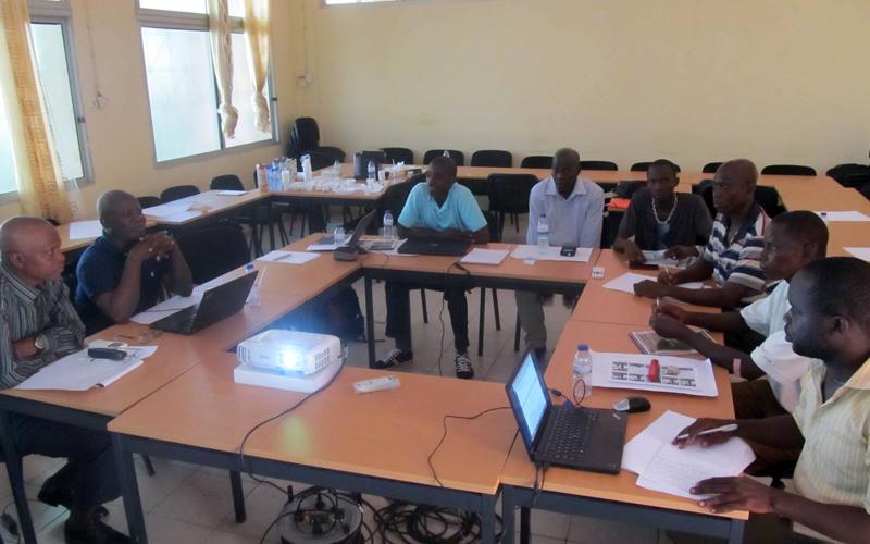 Firkidja di Skola – primeira sessão de trabalho de definição das funcionalidades do sistema
