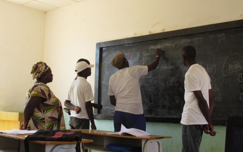 Programa Ensino de Qualidade em Português na Guiné Bissau