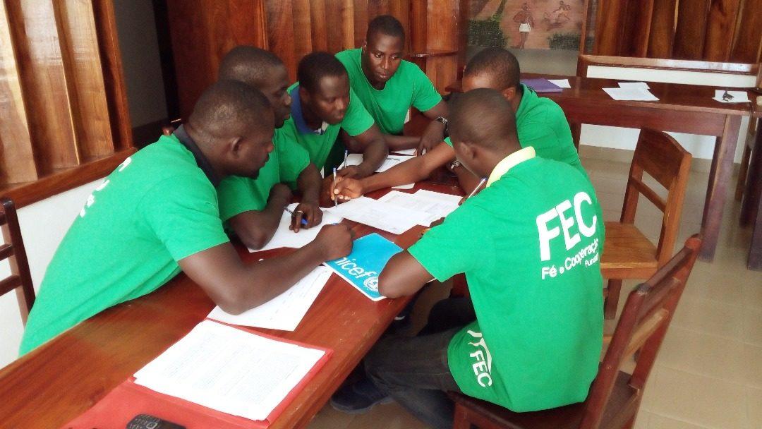 FEC capacita 49 formadores em Ensino Básico