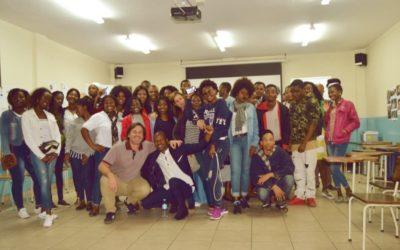 Encontro entre 50 jovens participantes nos projetos da FEC em Moçambique