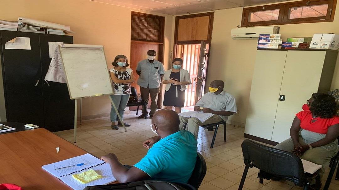 Assessora de Cooperação da Embaixada de Portugal na Guiné-Bissau visita formações de Língua Portuguesa