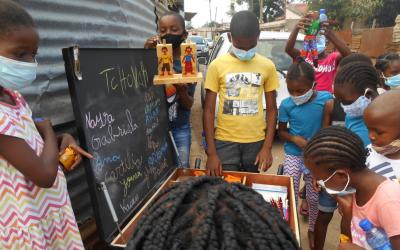 Moçambique | Livrotecas móveis na comunidade de Chamanculo