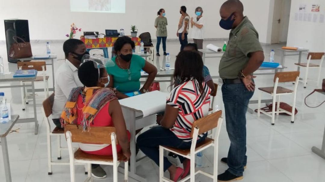 Somos Moçambique   Visita a Escolas na Beira