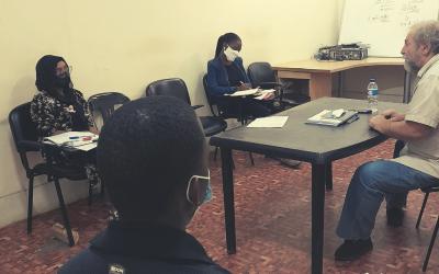 Oficinas de escrita para jovens finalistas do Prémio Literário Njinguiritane em Moçambique